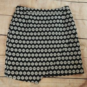 3/$20 H&M Geometric Patterned Skirt Short
